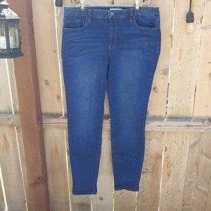 Jessica Simpson High Rise 4ever Rolled Ankle Jeans